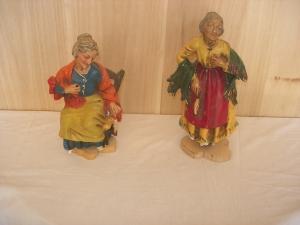 Due Statuette in gesso